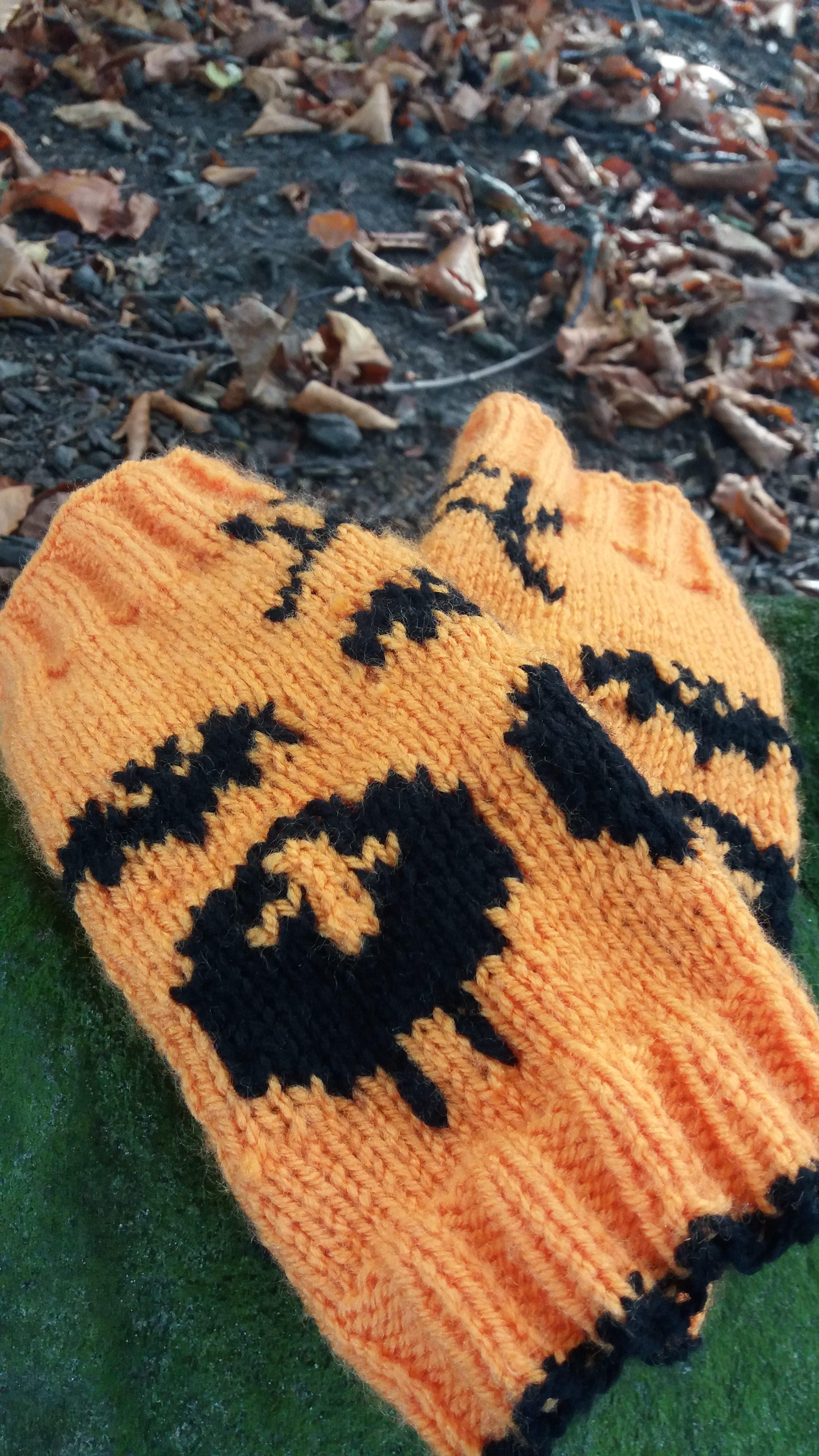 Halloween Knitted Wristwarmers